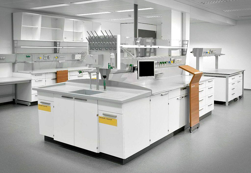 Bild: Laboratory components
