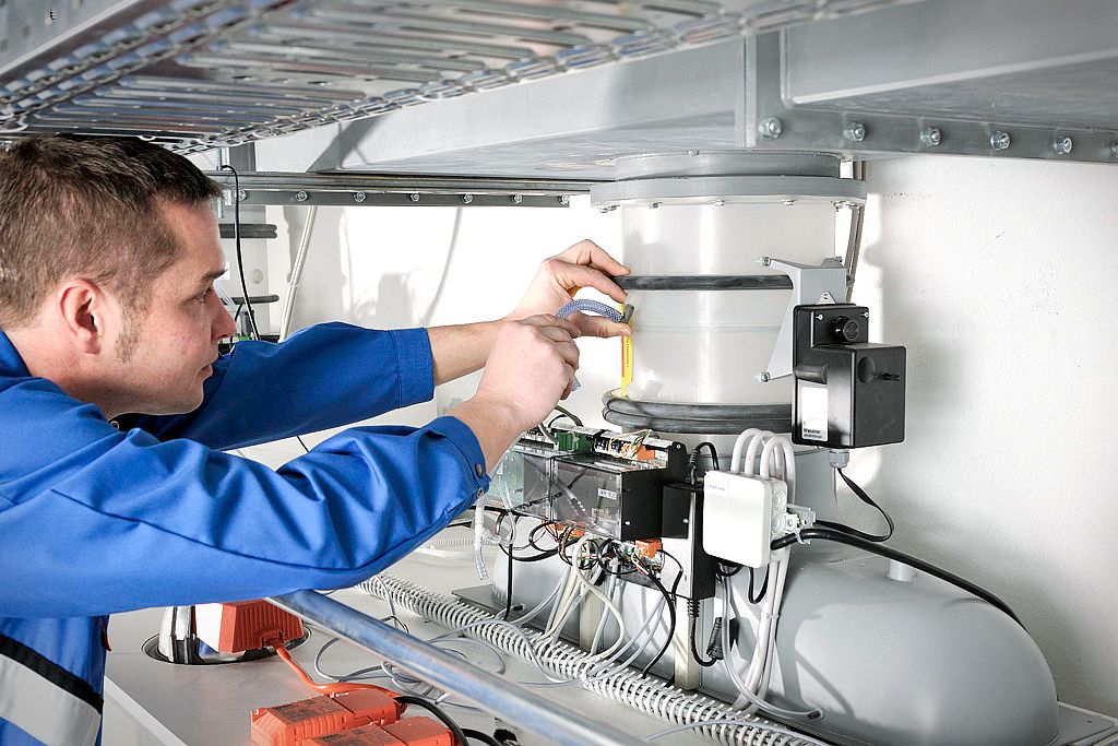 Bild: Monitoring and control components